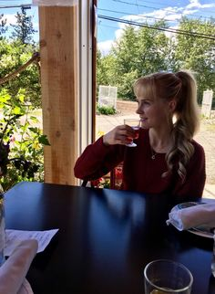 How Skate Canada Athletes Explore Kelowna Lakeside Dining, Skate Canada, Ice Dance, Fish Swimming, Dance Photos, Looking Forward To Seeing, Walking By, Athletes, Vancouver