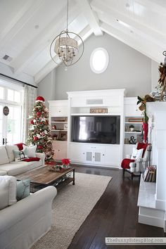 11 Magnolia Lane Holiday Open House with Erin from Sunny Side Up | 11 Magnolia Lane