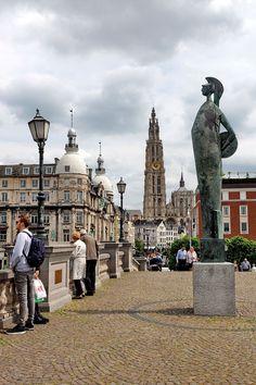 """Antwerpen im Schnelldurchlauf - """"Fee ist mein Name"""""""