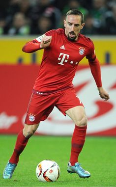 @Ribery taking control of the ball #9ine