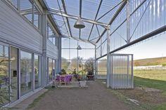 Architects: Hérard & da Costa Location: Neuville-sur-Seine, France Area: 328.0 sqm Year: 2009 Photographs: Philippe Ruault