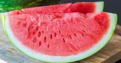 Watermelon is a very healthy berry. In this article, I explain 25 SCIENCE-BACKED health benefits of watermelon. Summer 2015, Summer Fun, Tent Camping Organization, Watermelon Health Benefits, Foods To Avoid, Shopping Hacks, Health Tips, Stuff To Do, Fun Stuff