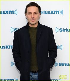Andrew Lincoln & Steven Yeun Hit NYC for 'Walking Dead' Promo Ahead of Season 5 Midseason Premiere! | andrew lincoln steven yeun hit nyc for walking dead promo 20 - Photo