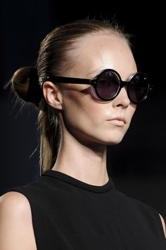 sleek. wish I could wear this style without getting a headache.