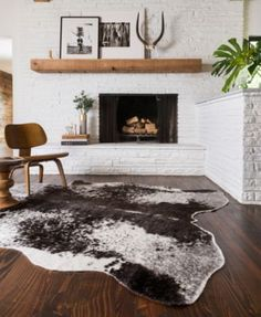 If your fireplace is in desperate need of a new appearance, you've come to the correct place! Because of this, seeing a brick fireplace is rather common, but there's more than 1 style. White brick fireplace employs unused bricks to… Continue Reading → Style At Home, Home Interior, Interior Design, Design Interiors, Luxury Interior, Sweet Home, Decoration Inspiration, Decor Ideas, Decorating Ideas