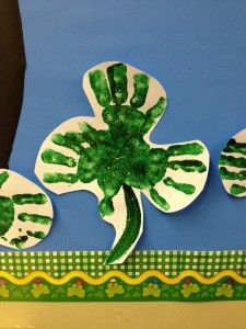 St. Patrick's Day crafts for preschoolers -Repinned by Totetude.com