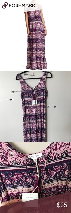 """Beach Lunch Lounge Terrie Maxi NWT.   Measures 17.5 armpit to armpit and is 55"""" long   From a smoke free and pet friendly Home.   Offers welcome 👗 beach Lunch Lounge Dresses Maxi"""