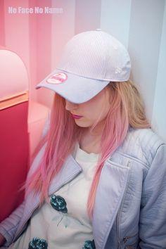 Keep Calm & Eat Donuts - shooting by Johanna Guerra  http://nofacenoname.blogspot.fr/2015/03/keep-calm-eat-donuts.html  No Face No Name blog : www.nofacenoname.blogspot.fr  Instagram : @nofacenonameblog Twitter : @nfnnblog Facebook : https://www.facebook.com/nofacenonameblog  #candy #bonbon #gourmandise #gluttony #pastel #rose #pink #cupcake #pinkhair #cap #casquette #bleu #blue