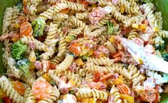 Schwartz's Kitchen: Ranch Pasta Salad I would use mayo in place of miracle whip and use the whole red and yellow pepper Ellie Hamm Summer Recipes, New Recipes, Cooking Recipes, Healthy Recipes, Ranch Pasta, Pasta Salad Recipes, Tzatziki, Summer Salads, Soup And Salad