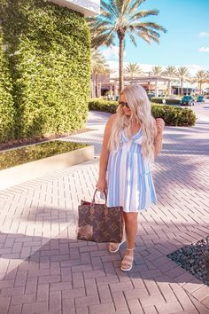Easter Dress Roundup - OLIVIA MAY BELL - The best white and pastel dresses to wear for Easter or any sunny occasion. Florida Outfits, Most Popular Shoes, Nashville Trip, Mini Vacation, Pink Lily, Easter Dress, Try On, Stylish Girl, Jeans Style