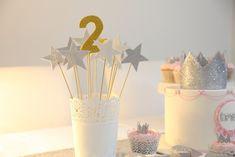 Yıldızlı çubuk doğum günü süsleri