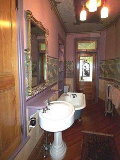 Water closet on pinterest victorian bathroom clawfoot for 1890 bathroom design