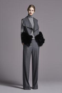 Ch Carolina Herrera Fall Winter 2015 Collection - Share The Looks Fall Winter 2015, Fall Winter Outfits, Winter Fashion, Ch Carolina Herrera, Abaya Designs, Classic Style Women, Vogue Fashion, Passion For Fashion, Beautiful Outfits