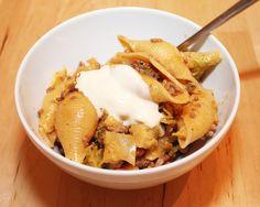 Rezept für leckere Muschelnudeln mit Hackfleisch, Wirsing und Schmand (Pasta)
