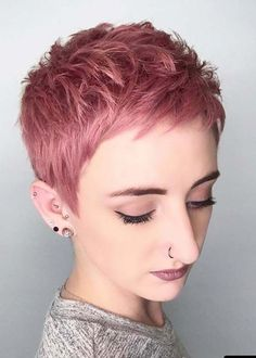 The cute and lively Pixie is one of the most popular short hairs for women. Pixie Haircuts offers a variety of opportunities. For round faces, try pixie with asymmetrical bangs. Pixie Haircut Styles, Short Pixie Haircuts, Pixie Hairstyles, Short Hairstyles For Women, Cool Hairstyles, Pixie Haircut Color, Pixie Cut Color, Pixie Haircut Thin Hair, Undercut Pixie