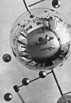 Between two world wars, the Bauhaus School of Art and Design changed the face of modernity. Realized with the Bauhaus-Archiv in Berlin, this updated . History Of Photography, White Photography, Florence Henri, Exhibition Film, Bauhaus Building, Modern Art, Contemporary Art, Moholy Nagy, Berlin