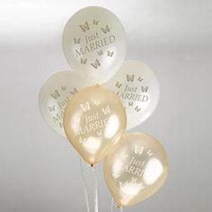 """Wunderschöne Hochzeitsballons """"Just Married"""" und Schmetterlingsmotiv in Gold und Ivory"""