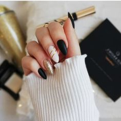 70 Fashionable Acrylic Almond Nail Designs For Girls To Try - Page 25 of 70 - Almond Nails Stylish Nails, Trendy Nails, Black Nails, Matte Nails, Red Nail, Nude Nails, Coffin Nails, Hair And Nails, My Nails