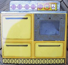 1970s Era Tin Litho Wolverine Toy Oven Range Sunny Suzy Vintage Childs Kitchen |