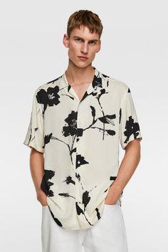 FLORAL PRINT SHIRT - Short Sleeves-SHIRTS-MAN   ZARA United Kingdom Bowling, Floral Print Shirt, Floral Prints, Floral Shirt Outfit, Pique Shirt, Formal Shirts For Men, Mens Shirts Online, Camisa Formal, Online Zara