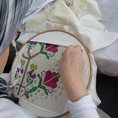K E S Folk Embroidery, Embroidery Stitches, Embroidery Patterns, Turkish Fashion, Bargello, Textiles, Cross Stitch, Instagram Posts, Needlepoint