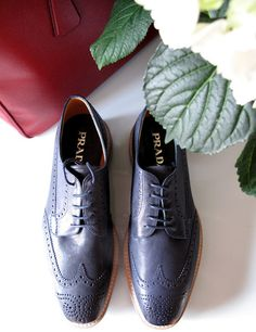 I usually hate black/dark dress shoes, I would totally wear these though! Mens Shoes Boots, Sock Shoes, Men's Shoes, Shoe Boots, Shoes Sneakers, Dress Shoes, Men's Fashion, Modern Gentleman, Everyday Shoes