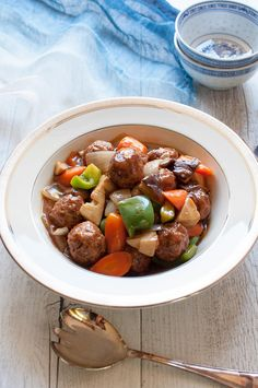 Sweet and sour pork usually uses cubed pork but this is a meatball version of sweet and sour pork. Onions in the meatballs give the meat more flavour and the sauce is not as strong as original Chinese sweet and sour pork. Pork Recipes, Asian Recipes, Ethnic Recipes, Japanese Recipes, Japanese Food, Pork Meals, Oriental Recipes, Oriental Food, Japanese Dishes