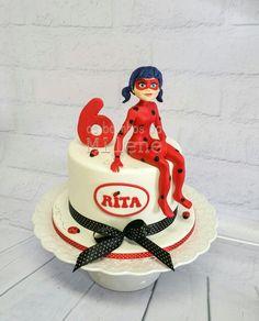 Miraculous Ladybug cake Ben 10 Birthday, Adult Birthday Cakes, 7th Birthday Party Ideas, Miraculous Ladybug Party, Foto Pastel, Ladybug Cakes, Candy Crafts, Occasion Cakes, Girl Cakes