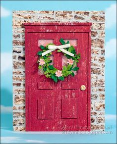 Mary Prasad created this cute welcoming card, perfect for a new home-owner. Mary die cut CountryScapes Carolina Farmhouse Door from Through the Lens (Wood) and CountryScapes New England Stone Wall & Gate from Through the Lens (Stone). Mary also used elements from Garden Patch 7/8 inch & Mini Leaves, Garden Patch 1 inch & Mini Daisy & Chrysanthemum, Tags & More 7 Vine, and Ring Accordion. Find the supplies here: https://www.elizabethcraftdesigns.com/