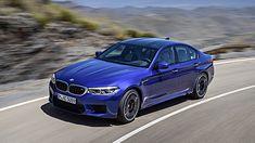 """Wybór BMW M5 (zużycie paliwa w cyklu mieszanym: 10,5 l/100 km*; emisja CO2 w cyklu mieszanym: 241 g/100 km*) na """"World Performance Car 2018"""" oznacza, że BMW już po raz siódmy otrzymuje nagrodę World Car Award organizacji """"World Car of the Year""""."""
