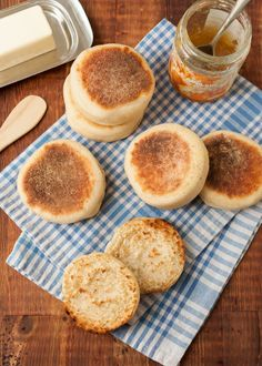 The English Muffin Is Not English at All: We hate to be the bearer of bad news, but English muffins did not originate in England. In fact, the British weren't even aware of their existence until Thomas's English muffins were imported from America in the Crumpets, English Muffin Recipes, Overnight Breakfast Casserole, Instant Yeast, Bread Recipes, Sourdough Recipes, Savoury Recipes, Baking Recipes, Vegan Recipes