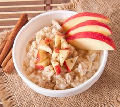 Boost Your Weight Loss with These 13 Snacks. Recuerden recomendar una dieta balanceada a sus pacientes! 1000 Calorie Diet Plan, Low Carb Diet, Healthy Snacks, Healthy Recipes, Delicious Recipes, Nutrition, Quick And Easy Breakfast, Perfect Breakfast, Overnight Oats