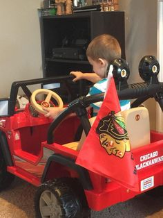 Check out this young fan's #Blackhawks Jeep!