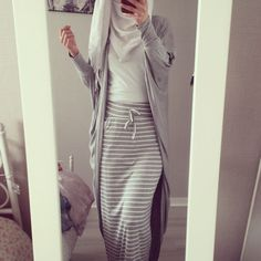 Jersey Skirt and Cardigan with White Hijab