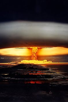 chilling photograph of a hydrogen bomb detonation