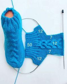 Baby Cardigan Knitting Pattern Free, Easy Knitting, Baby Knitting Patterns, Knitting Socks, Knitting Stitches, Crochet Bookmark Pattern, Crochet Shoes Pattern, Crochet Bookmarks, Knitted Booties