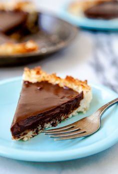 Gluten free chocolate pie with coconut crust