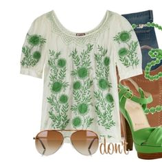 ☘JUICY COUTURE 100% SILK CAMARELLE HIPPIE☘ ✨NWT NEVER WORN RARE JUICY COUTURE VÍA CAMARELLE HIPPIE BLOUSE 🌸  . Cream silk tunic blouse embroidered with green flowers . short sleeve with a  button cuff detail        100% SILK  BRODERIE 100% POLYESTER ✨ RETAIL $250+ tax Juicy Couture Tops