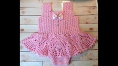 Crochet baby onesie pattern Ideas for 2019 Crochet Bebe, Crochet Poncho, Crochet For Kids, Crochet Top, Toddler Dress Patterns, Baby Patterns, Onesie Pattern, Crochet Baby Clothes, Baby Knitting