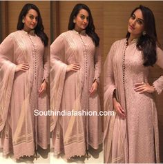 Sonakshi Sinha in Rimple and Harpreet Narula – South India Fashion Pakistani Fashion Casual, Pakistani Outfits, Indian Outfits, Pakistani Clothing, Indian Designer Suits, Indian Fashion Designers, Indian Attire, Indian Wear, New Style Suits