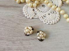 Freshwater pearl clip earrings vintage