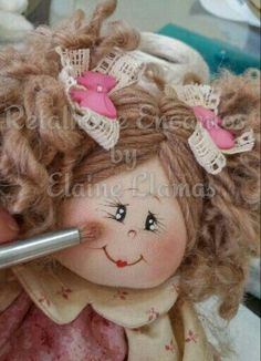 Varios Doll Face Paint, Doll Painting, Felt Crafts, Diy And Crafts, Angel Crafts, Doll Eyes, Patch Quilt, Doll Maker, Doll Head