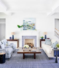 Andrew Howard Interior Design (House of Turquoise) Living Room Styles, Living Room Designs, Coastal Living Rooms, Living Room Decor, Living Spaces, Blue And White Living Room, Sala Grande, House Of Turquoise, Living Room Remodel