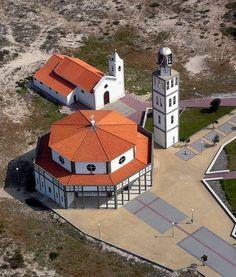Aveiro - Igreja da Praia da Costa Nova by reciprocum, via Flickr