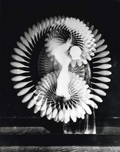 Indian Club Rhythm by Harold Edgerton. Edgerton may not be as well-known as a photographer as he ought to be, but his contributions to expanding what you can do with photography are among the. Flash Photography, Photography Gallery, Creative Photography, Movement Photography, Photography Tutorials, Digital Photography, Sequence Photography, Timeless Photography, Inspiring Photography
