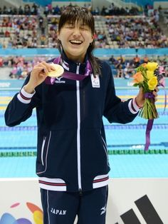 パラリンピック:秋山が金…女子100m背 鈴木は銅