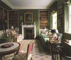 This librarys covered walls, in a green velour de lin, works so well with the Buxted carpet, damask upholstery and hints of floral. Colefax and Fowler: The Best in English Interior Decoration by Chester Jones (Bulfinch Press) Beautiful Interiors, Beautiful Homes, House Beautiful, Chinoiserie, English Country Decor, British Country, Country House Interior, English House, English Library