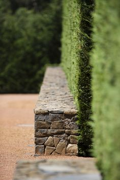 Awesome Rock Garden Retaining Wall Ideas For Backyard and Side Yard - My Dream House Garden Retaining Wall, Stone Retaining Wall, Gabion Wall, Landscaping Retaining Walls, Stone Fence, Low Retaining Wall Ideas, Landscape Materials, Landscape Walls, Landscape Design