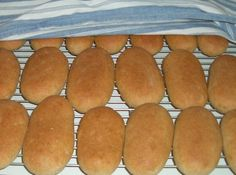 Hot Dog Buns, Hot Dogs, Griddle Pan, Bread, Food, Eten, Bakeries, Meals, Breads