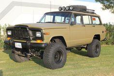 Buy used 1984 Jeep Grand Wagoneer 4x4 custom lift and paint in El ...